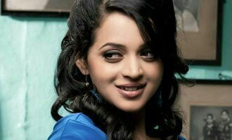 Bhavana shakes a leg with Anil Kapoor leaving audiences in awe