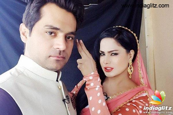 Veena Malik gets divorce