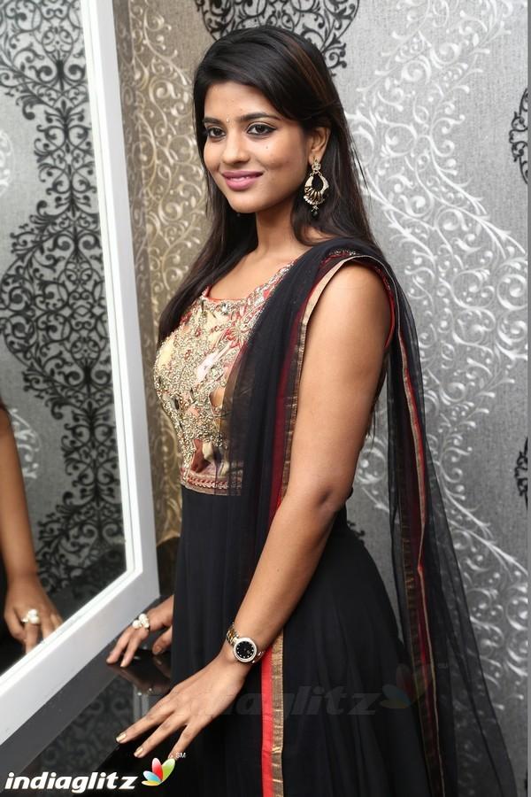Aishwarya Rajesh Tamil Actress Gallery Indiaglitz Tamil