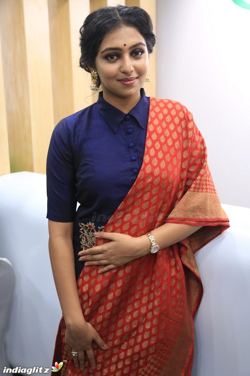 Xxx Lakshmi Menon Delightful lakshmi menon gallery - bollywood actress gallery stills images
