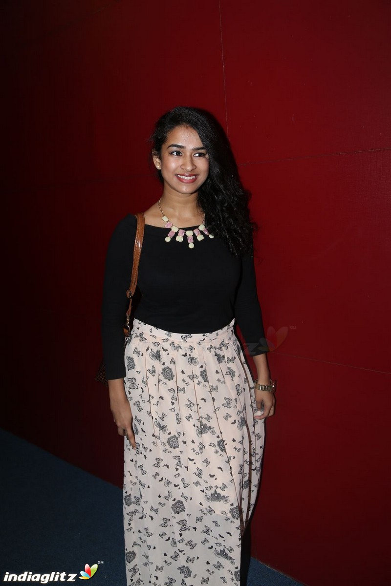 Misha Ghoshal Gallery - Tamil Actress gallery stills ...