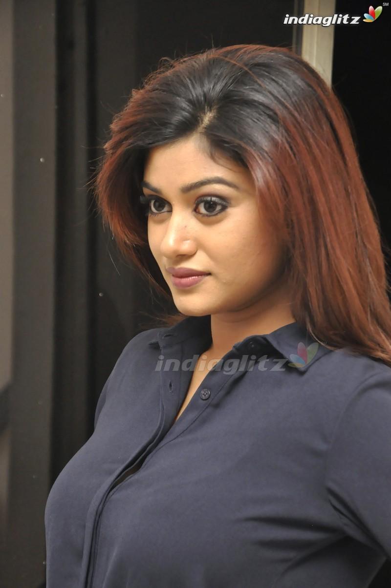 Oviya Gallery Malayalam Actress Gallery Stills Images