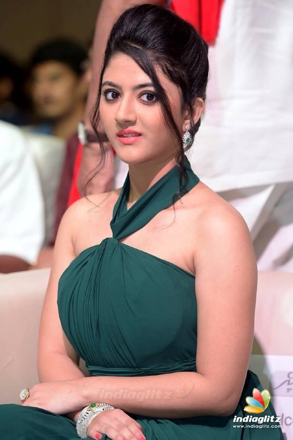 Shriya Sharma Photos Tamil Actress Photos Images
