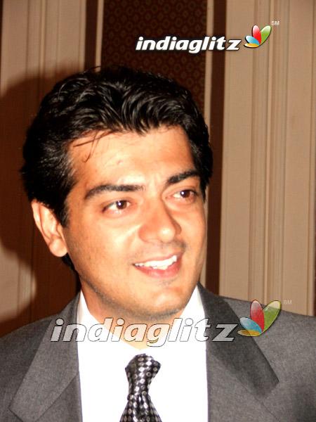 Ajith Celebrates the Success of Varalaru