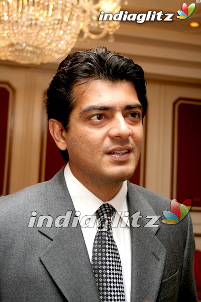 Ajith Celebrates the Success of Varalaru