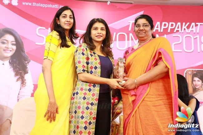 Janani Iyer at Thalappakatti Superwoman 2018 Award