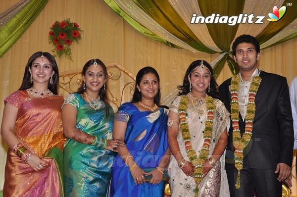Vijayakumar Family Photos Www Pixshark Com Images
