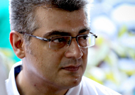 Ajith  pays last respect to 'Amma' and her good friend