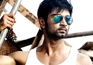 Atharvaa loses one of four dazzling girls