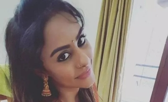 Sri Reddy wants Red Light Area - Video