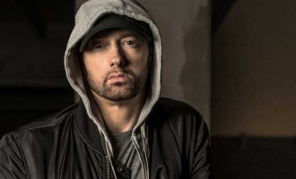 Eminem celebrates 10 straight years of being sober!