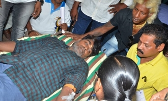 Vijay Sethupathi donates blood to show his gratitude
