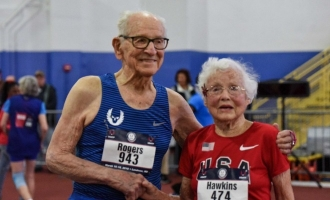 Inspiring! Watch 100 year old man set world record in sprint race