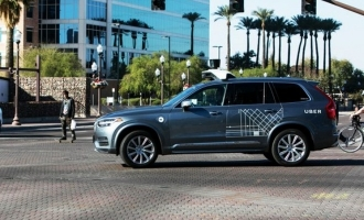 Uber's self-driving cab kills pedestrian
