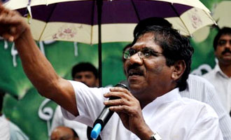 Bharathiraja picks Cheran as his hero