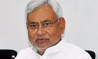 Will OPS-EPS get 'Two-Leaves' similar to Nitish Kumar verdict of EC?