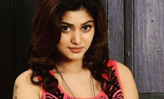 Oviya replaced in a new movie