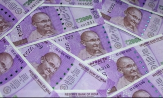Government's decision on discontinuing Rs.2000 notes