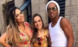 Football star Ronaldinho to marry two girlfriends at the same time!