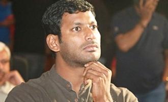 பொக்கேவுக்கு பதில் செக்: இரும்புத்திரை ஆடியோ விழாவில் அசத்திய விஷால்