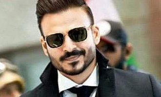 Vivek Oberoi's twin requests to Thala fans