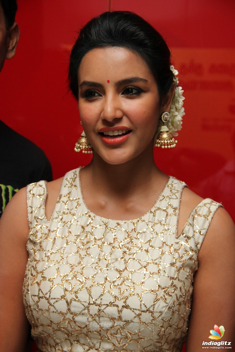 Priya Anand Photos Tamil Actress photos images gallery