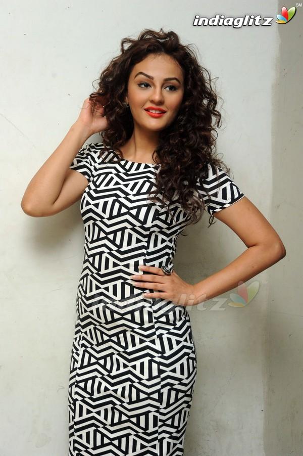 Seerat Kapoor