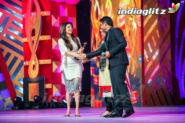 Celebs @ SIIMA Awards 2013 (Set 2)