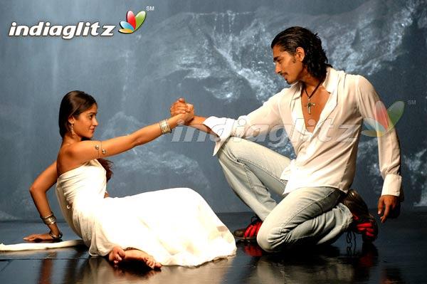 Aata (2006)