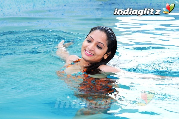 Swimming pool photos telugu movies photos images gallery stills clips for The swimming pool movie online