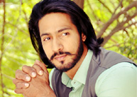 I watch NTR's movies for learning expressions: Anoop Singh