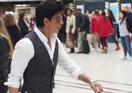 Shah Rukh Khan goes unnoticed at the London's Charing Cross station