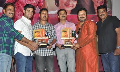 'Chuttalabbai' Platinum Disc