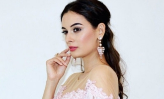 Humbled to be doing 'Saaho': Evelyn Sharma