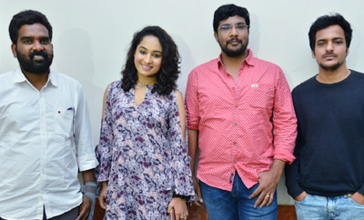'Inthalo Ennenni Vinthalo' Team Watches Film @ Sri Mayuri Theater