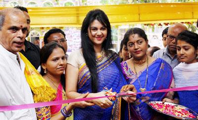 Kamna Jethmalani Launches Nakashatra Fashion Stores @ Habsiguda