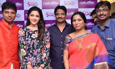 Mehreen Kaur Launches Naturals Saloon