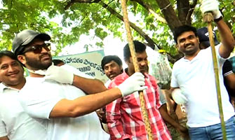 Mahanubhavudu team participates in Swachh Bharat
