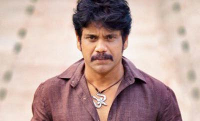 Nagarjuna rocks in hot season