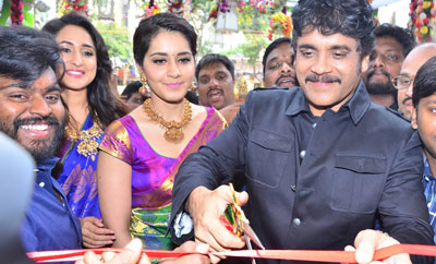 Nagarjuna & Raashi Khanna @ South India Shopping Mall Inauguration