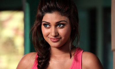Oviya's parent has cancer, director reveals