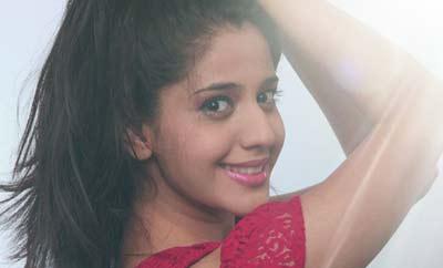 Newbie Simran Pareenja pairs up with Nikhil