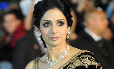'మామ్' చిత్రం కోసం నాలుగు భాషల్లో డబ్బింగ్ చెబుతున్న శ్రీదేవి