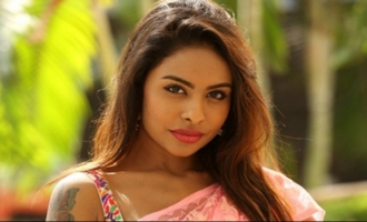 That actor is threatening me: Sri Reddy