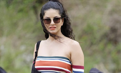Sunny Leone gets a bomb for South Indian debut