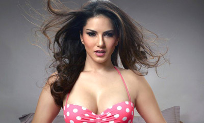 Be ready to be 'starstruck' by Sunny Leone's cosmetic line
