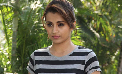 Don't share such pics on SM, Trisha urges fans