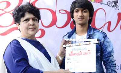 Dynamic Director Jaya B gives clap at 'Vaallammayi' launch