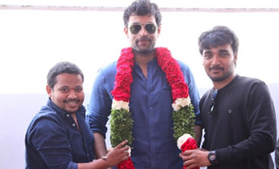 Mega fans call on Varun Tej