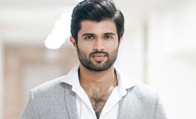 Devarakonda gives another 'kakkuriti padakandi' message